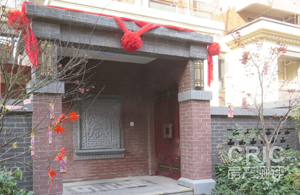 将新中式风格与老上海海派特色糅合,房顶,屋檐的设计都充满了中国传统图片
