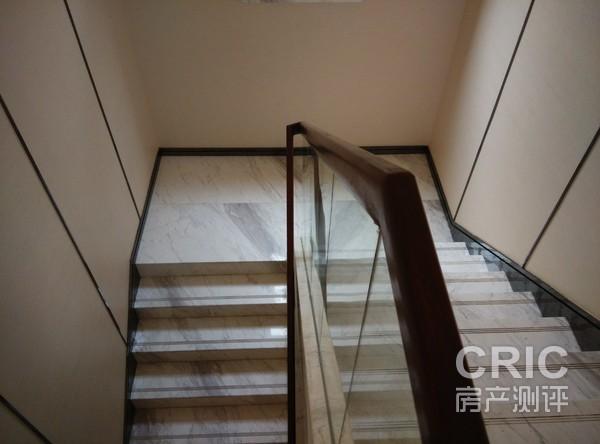 1.2米楼梯五节踏步瓷砖装修效果图